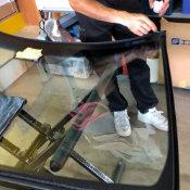 自動車のガラス交換