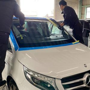 ベンツVクラス 自動車ガラス交換