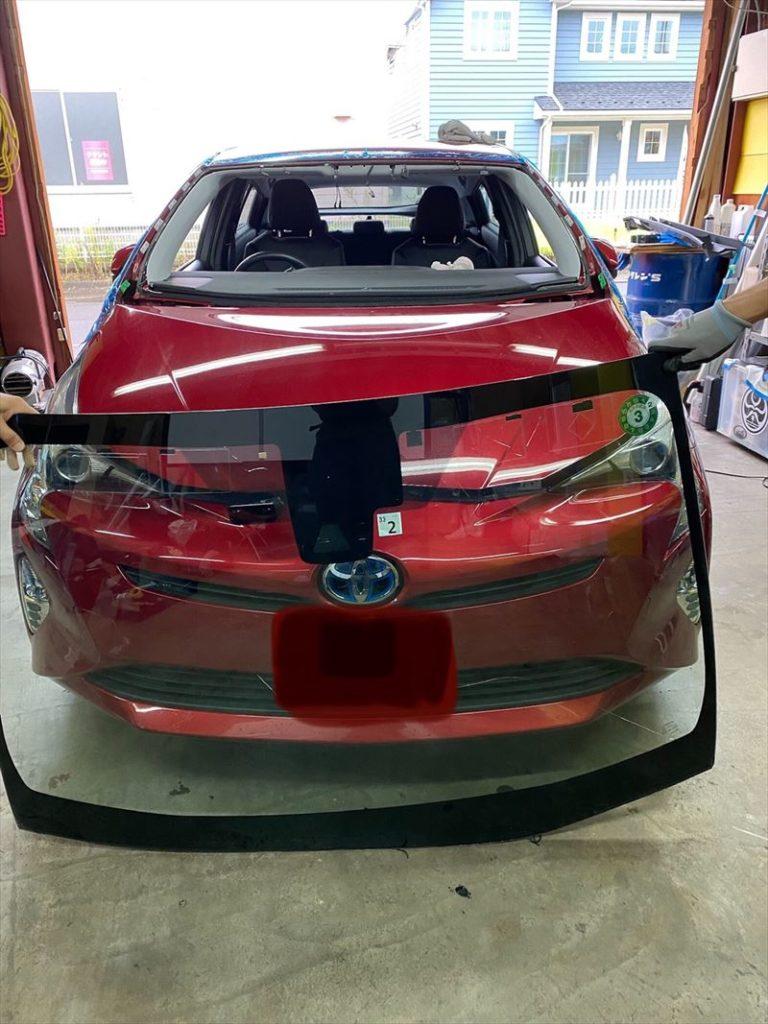 トヨタプリウス50系ひび割れによるフロントガラス交換